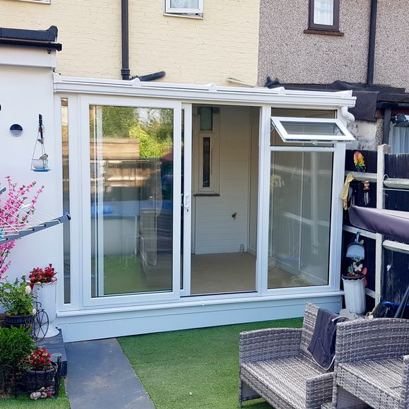 Garden Rooms Sunrooms Express Garden Rooms And Conservatories